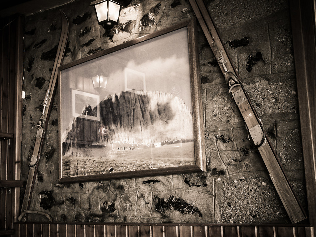 Auberge du mont Olympe,  mai 2004